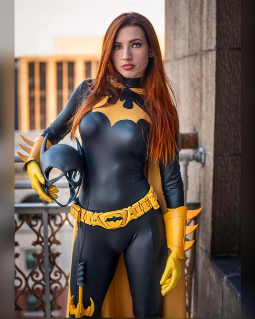Amanda Lynne as Batgirl. Photo: Johnny Porsche, modelandmuse.com